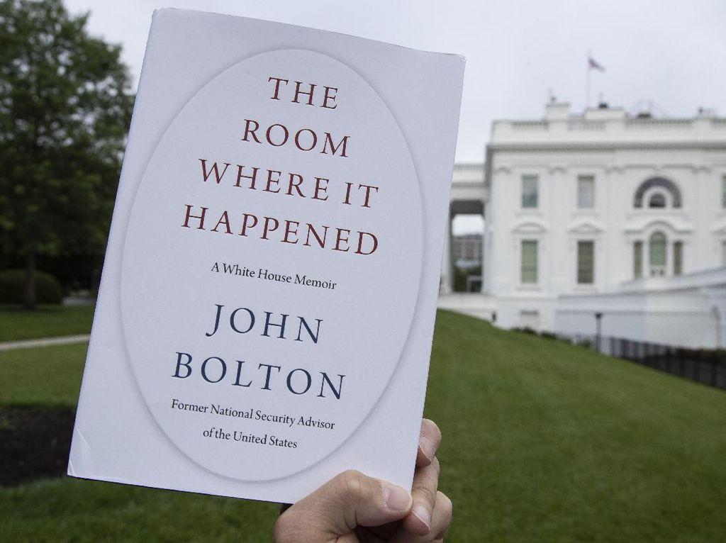 Buku John Bolton Ungkap Trump Izinkan Israel Serang Iran