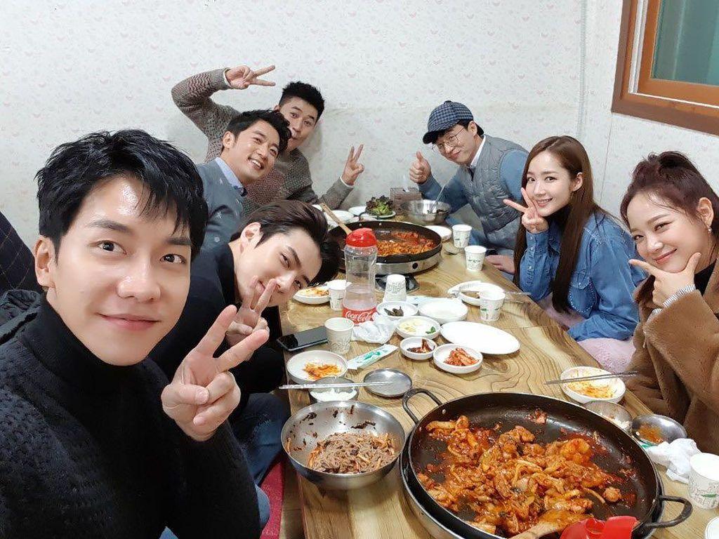 Sehun EXO Doyan Kulineran dan Nongkrong Seru Bareng Teman-teman