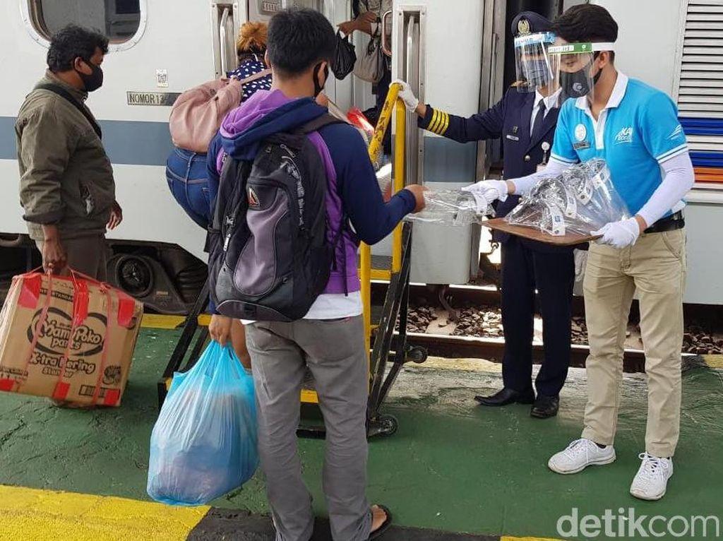 Sepekan, 382 Penumpang KA Gagal Berangkat Karena Tak Penuhi Persyaratan