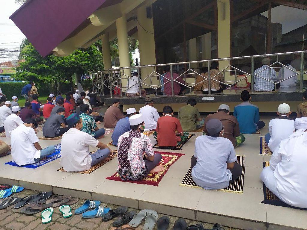 Masjid Al Huda Depok Salat Jumat Seperti Biasa, Tak Ada 2 Gelombang
