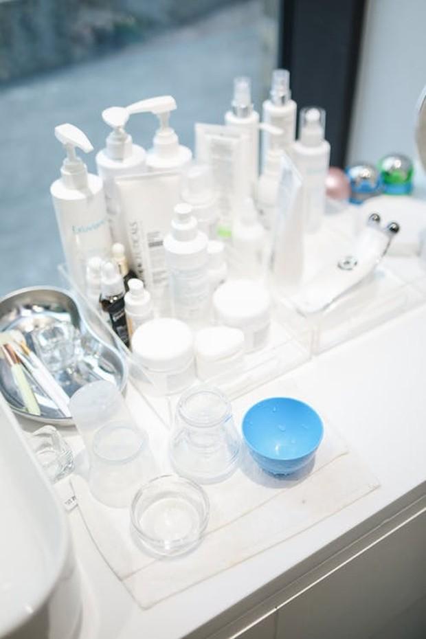 Pelembap merupakan salah satu produk skincare yang penting dan tidak boleh dilewatkan untuk semua jenis kulit.