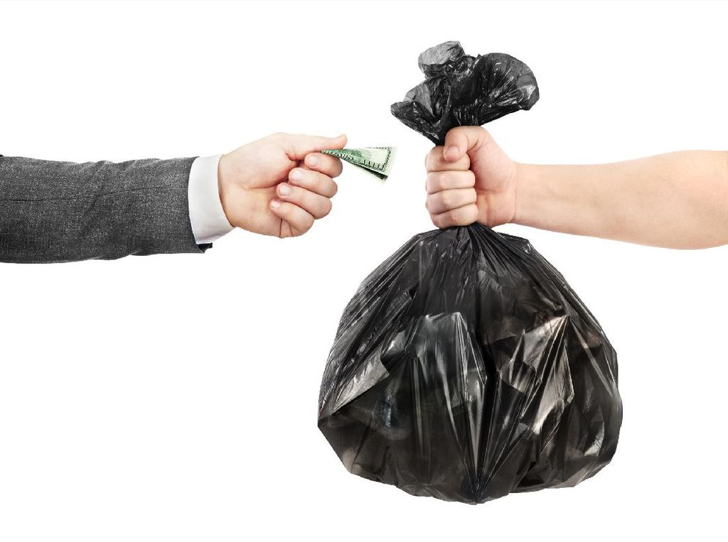 Pasar Kebayoran Lama Sosialisasi Bertahap Larangan Kantong Plastik