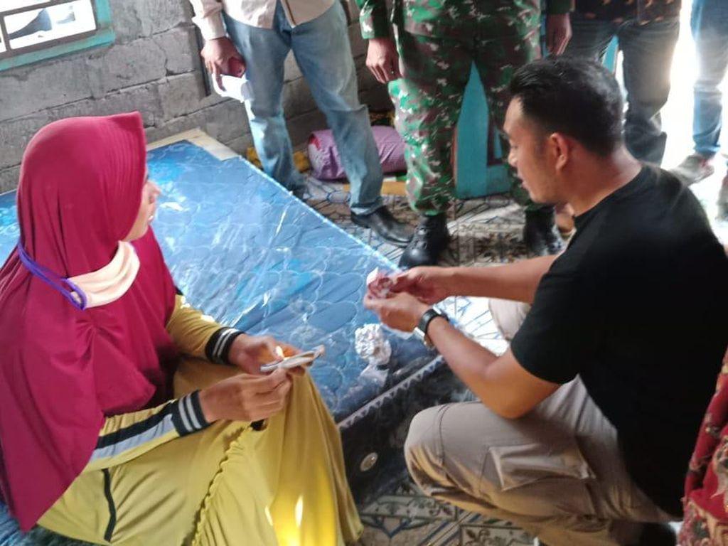 Jual Sabu Pada Dua Pemuda, Ibu Rumah Tangga di NTB Ditangkap