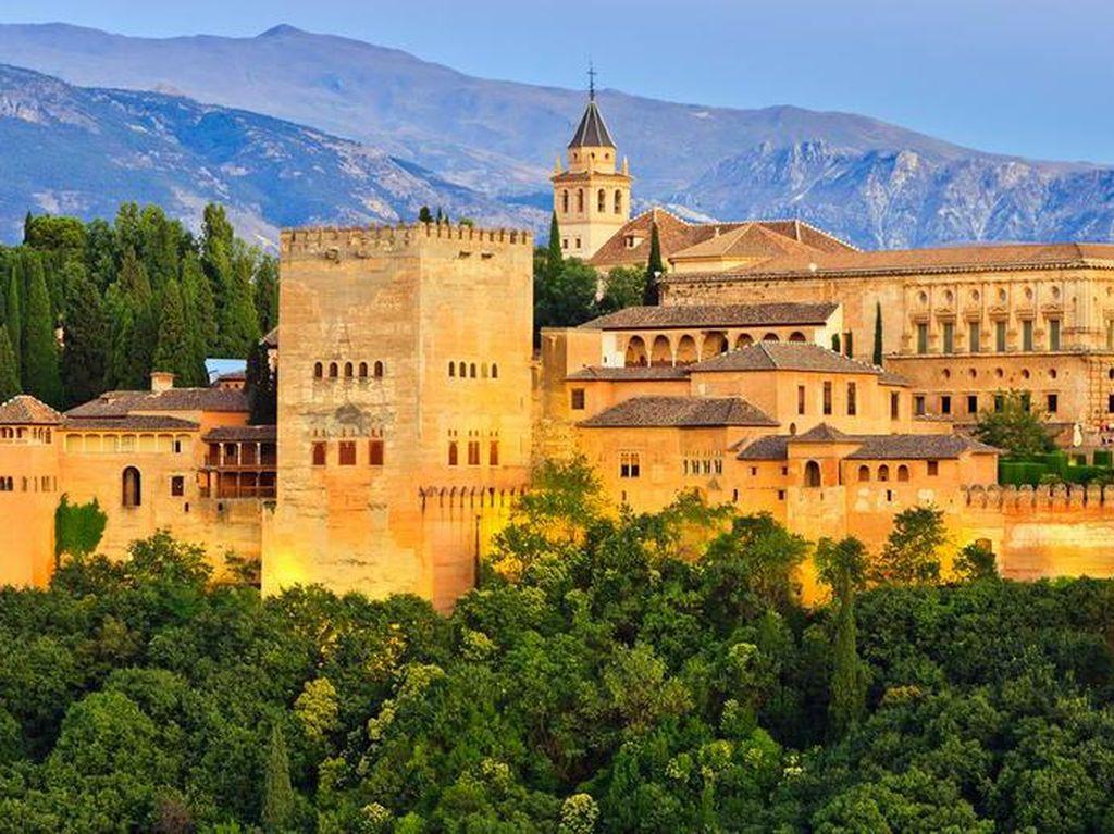 Istana Penyimpan Sejarah Kejayaan Islam di Spanyol Kembali Dibuka