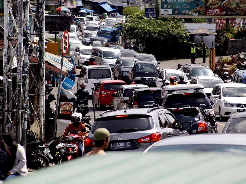 Pemkab Bogor Ungkap Penyebab Ramainya Puncak Saat PSBB Proporsional
