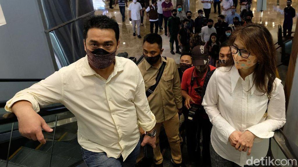 Momen Wagub DKI Cek Kesiapan Protokol Kesehatan di Mal