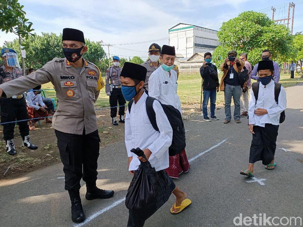 Ratusan Personel Polisi-TNI Amankan Kembalinya Santri Ponpes Lirboyo Kediri