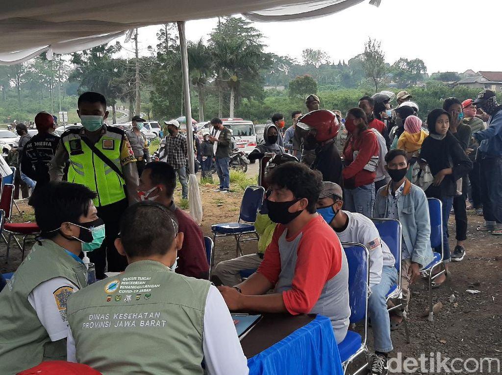 69 Pengunjung Puncak Reaktif Rapid Test, Mayoritas dari Jakarta