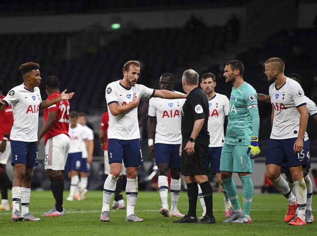 Kesalnya Mourinho dengan Penalti-penalti untuk MU