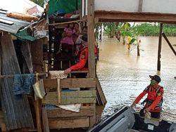 Desa di Konawe Utara Kebanjiran, Penduduk Dievakuasi dari Rumahnya