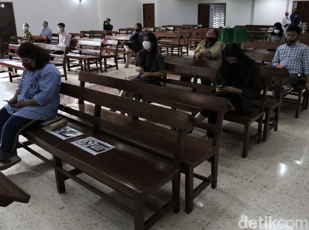 Jemaat Gereja HKBP Bandung Tak Lagi Ibadah Virtual