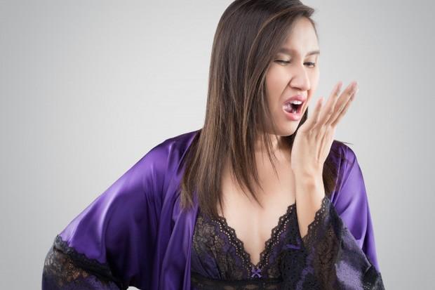 konsumsi protein  yang berlebih dapat menyebabkan bau mulut