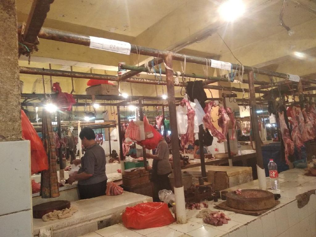 Begini Suasana Pasar Kebayoran Lama yang Kembali Dibuka Setelah Tutup 3 Hari