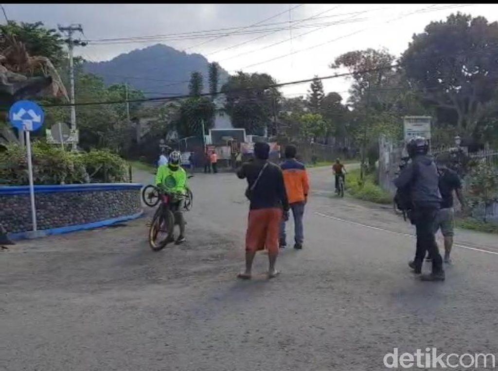 Gunung Merapi Erupsi, Pesepeda di Kaliurang Sleman Diminta Turun