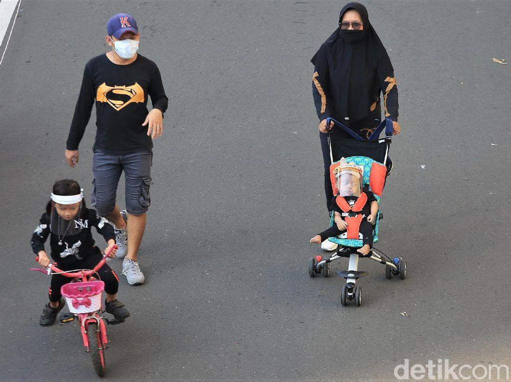 CFD di Jalan Cipete, Orang Dewasa & Anak-anak Berolahraga