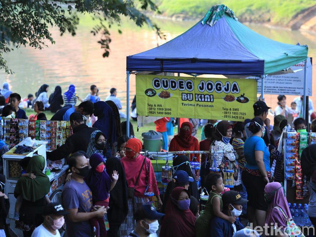 Sejak 8 Juni, 200 Orang Dapat Sanksi Sosial di Kanal Banjir Timur Jaktim