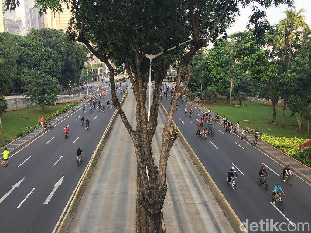 CFD di Semanggi, Pesepeda Masuk Jalur Pejalan Kaki Kena Tegur Satpol PP