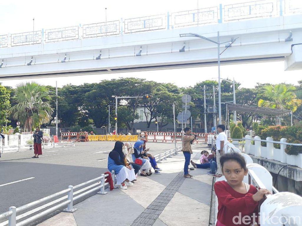 Sejumlah Warga di Kenjeran Surabaya Tak Tahu Ada Gerhana Matahari Cincin