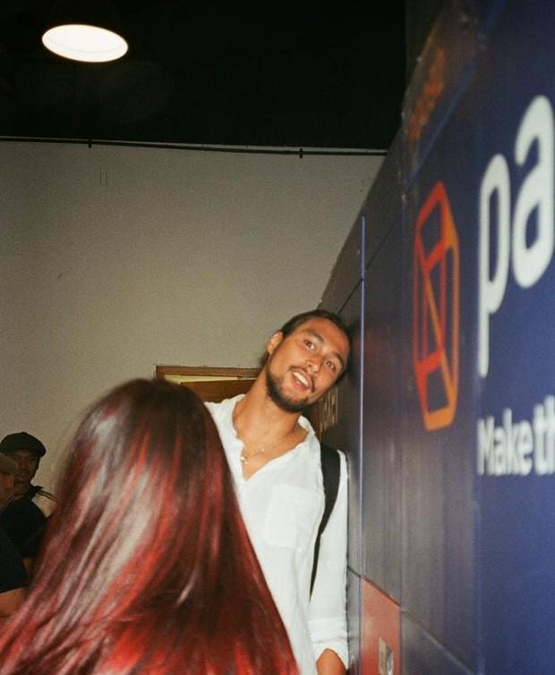 Tara dan Daniel jarang mengumbar kemesraan, baik di depan publik maupun lewat foto.