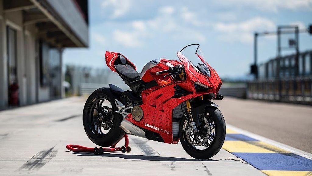 Penampakan Ducati Panigale V4R dari 15 Ribu Keping Lego