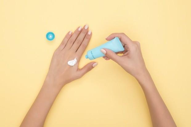 Sunscreen berbahan avobenzone dan oxybenzone berbahaya untuk ibu hamil