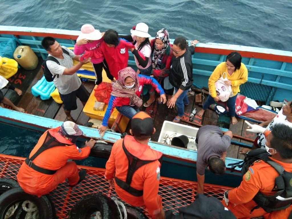 40 Penumpang Kapal yang Mati Mesin di Laut Tapteng Sumut Ditemukan Selamat