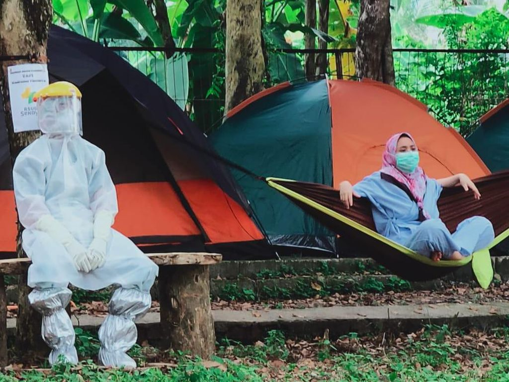 Agar Tak Stres, Pasien Corona di Musi Banyuasin Diajak Outbond