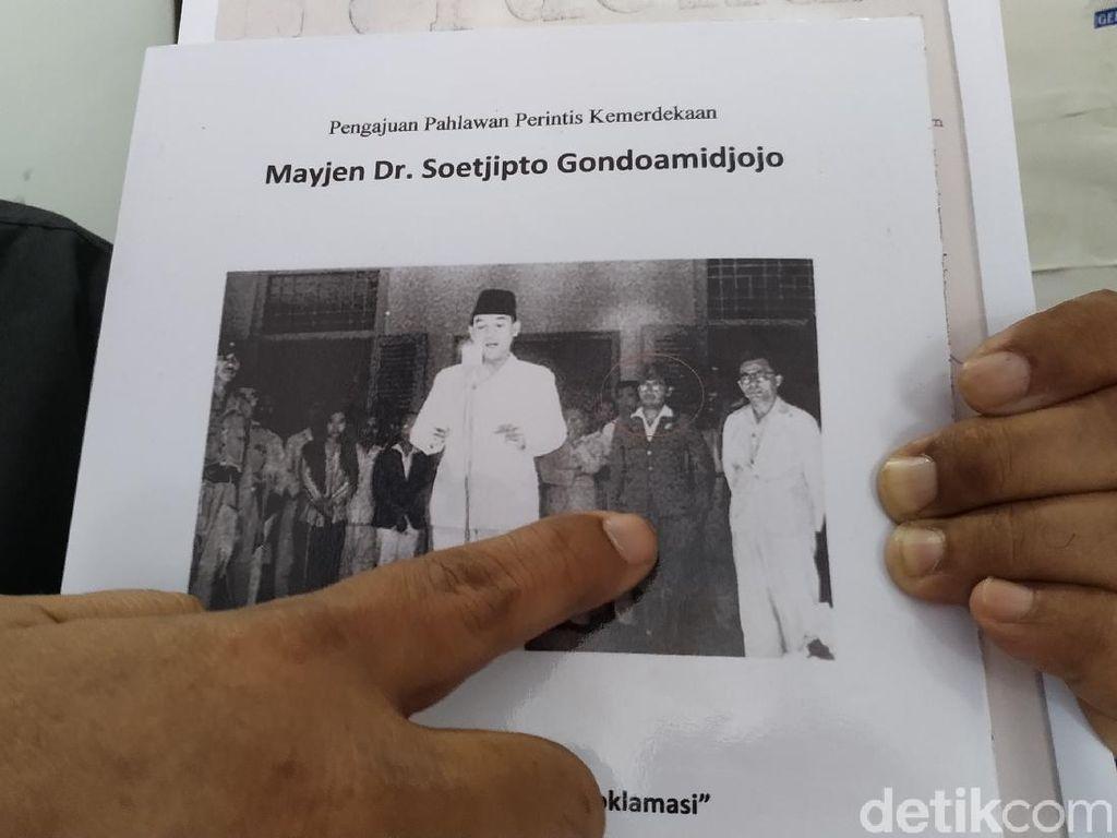 Dr Soetjipto, Tokoh di Foto Pembacaan Proklamasi yang Tak Banyak Orang Tahu