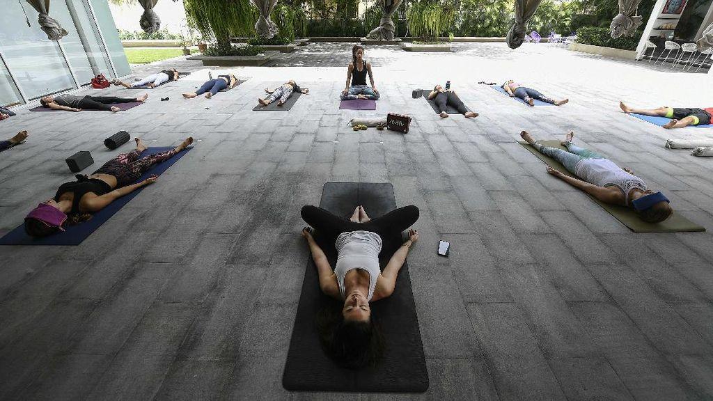 Momen Peringatan Hari Yoga Internasional di Berbagai Negara