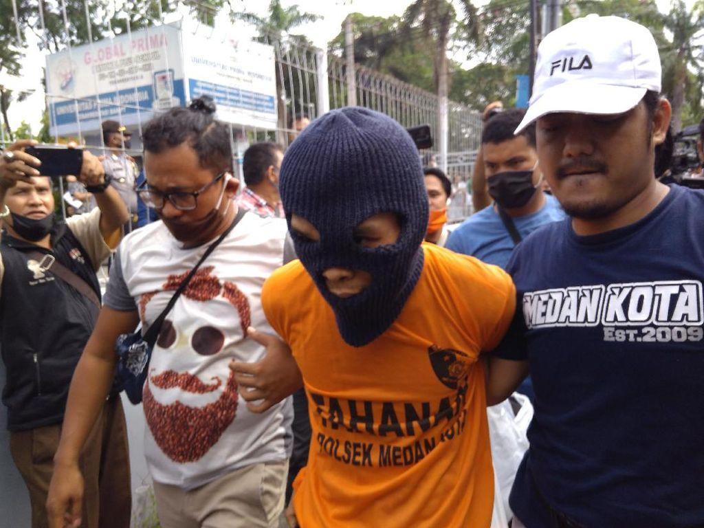 Usai Ditangkap, Ayah Terduga Pembunuh 2 Anak Tiri di Medan Dibawa ke TKP