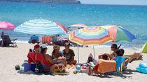 Cerita Bahagia Turis Eropa yang Bisa Kembali Liburan Lagi