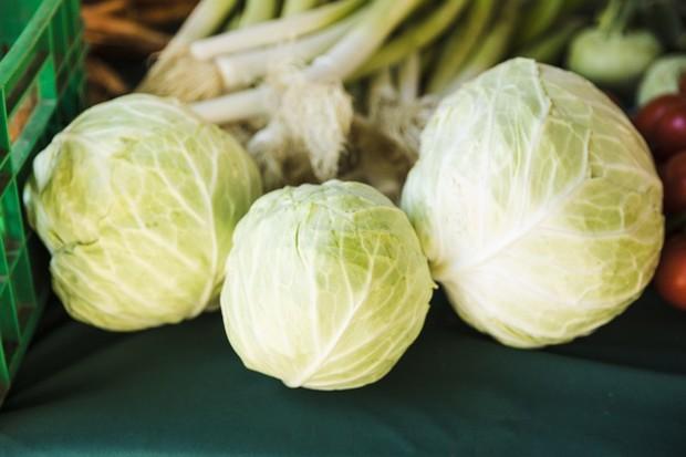 Sayuran ini tergolong bergas dan juga mengandung senyawa yang menghalangi penyerapan yodium yang justru akan menyulitkan untuk kamu yang sedang diet.