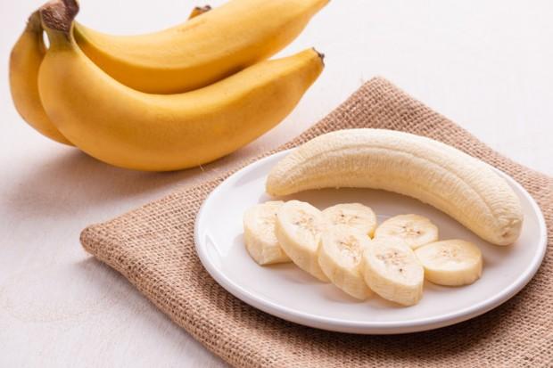 Mengkonsumsi pisang saat perut dalam keadaan kosong itu akan menyebabkan peningkatan jumlah magnesium dalam aliran darah kita.