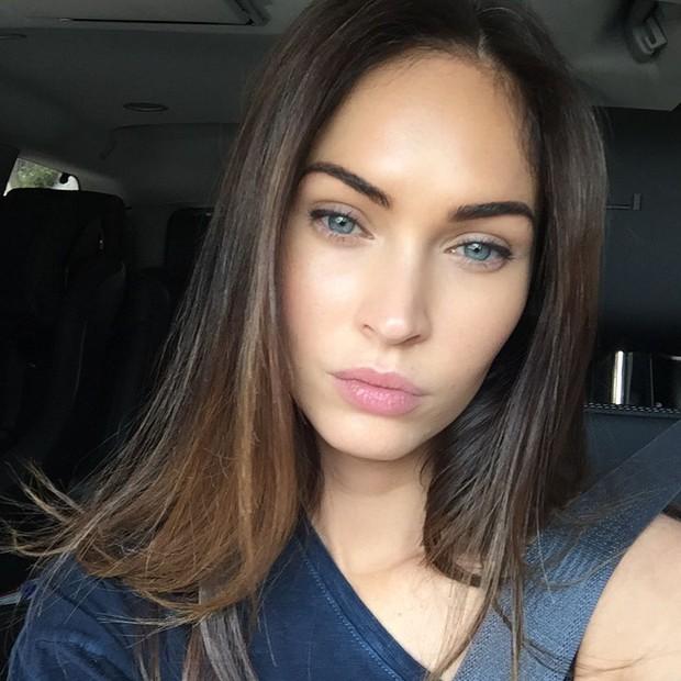 Megan sama sekali tak memakai sun screen karen menyebabkan alergi pada kulit sensitifnya.