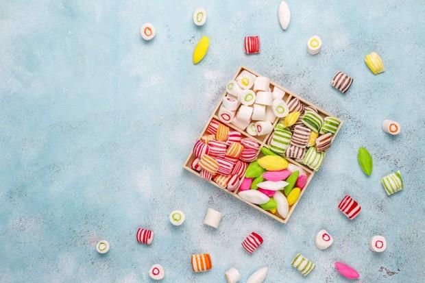 Rasa manis dari permen nantinya dapat meningkatkan kadar insulin dalam tubuh.