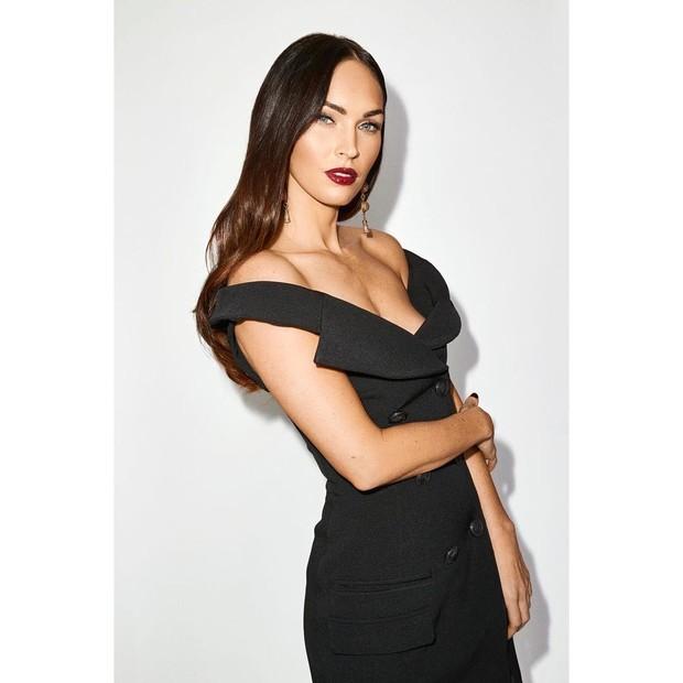 Skincare routine Megan Fox kebanyakan meliputi pembersih wajah atau cleanser dan pelembap.