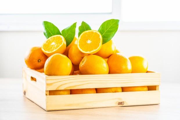 Jeruk dapat mengiritasi kerongkongan kita, terutama jika dikonsumsi saat perut kosong.