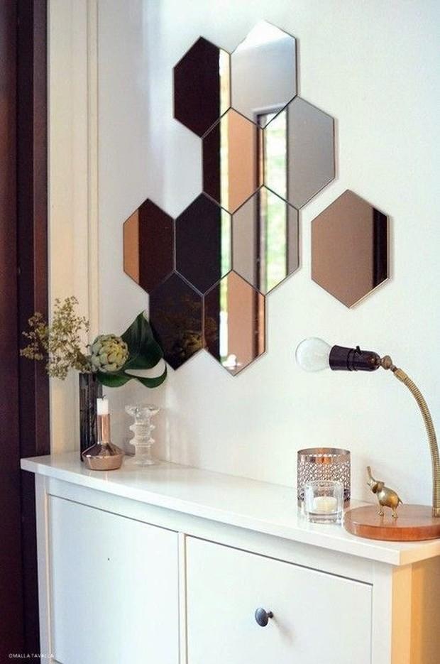 Menghias kamar dengan kaca hexagonal