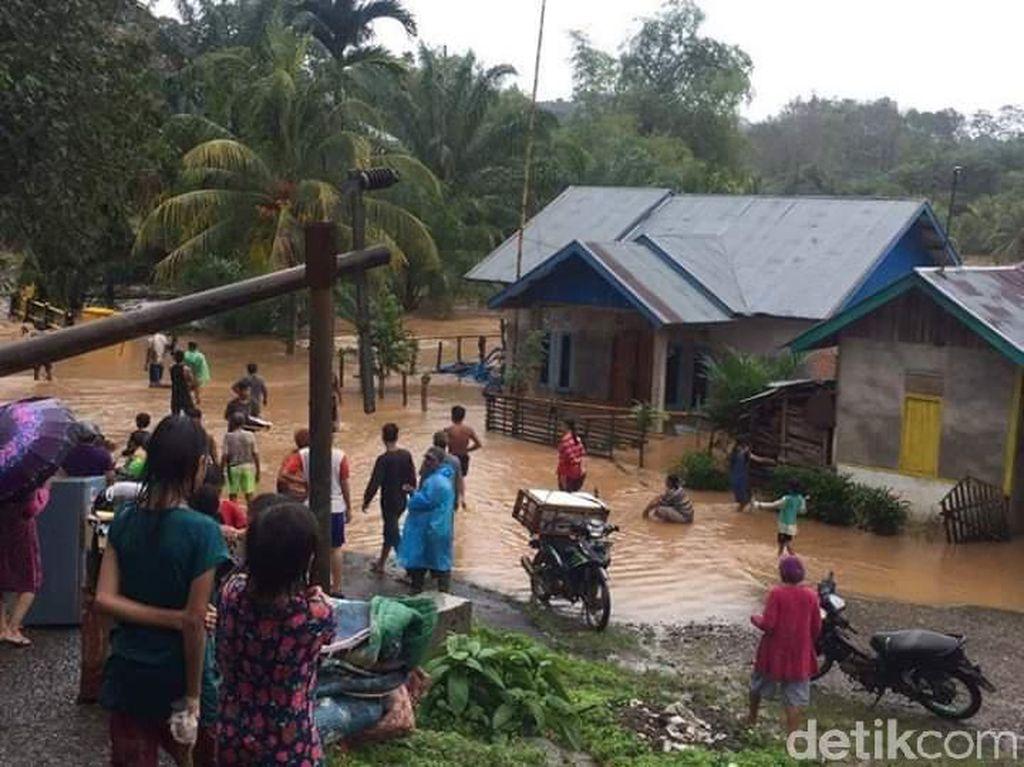 Sungai Durian Meluap, Permukiman di Penanjung Bengkulu Tengah Terendam Banjir