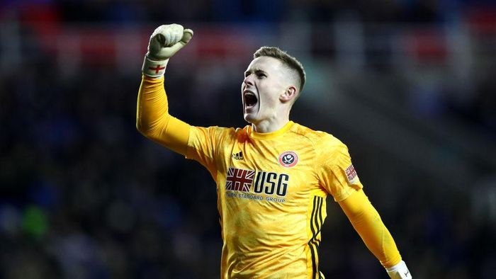 READING, ENGLAND - MARCH 03: Dean Henderson of Sheffield United celebrates his sides second goal scored by Billy Sharp (Not pictured) during the FA Cup Fifth Round match between Reading FC and Sheffield United at Madejski Stadium on March 03, 2020 in Reading, England. (Photo by Dan Istitene/Getty Images)