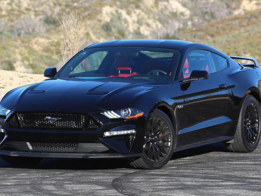 Intip Isi Garasi PNS Tajir: Ada Ford Mustang Rp 1 M dan Moge Ratusan Juta