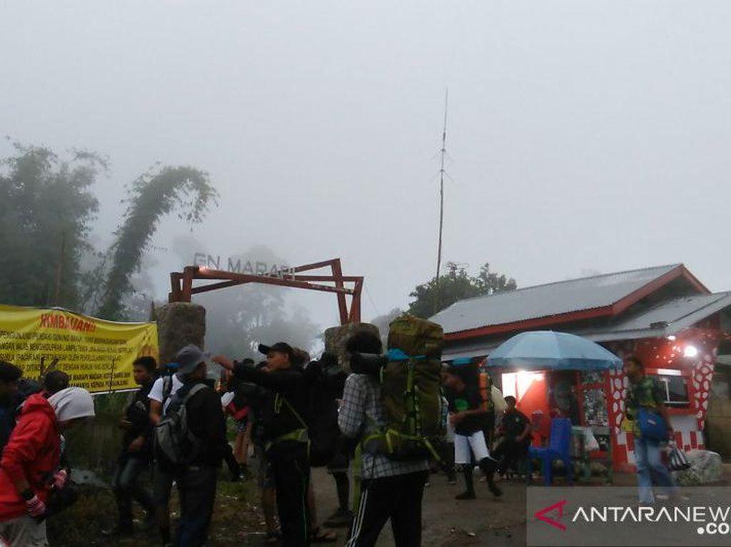 5 Pendaki yang Hilang di Gunung Marapi Sumbar Ditemukan Selamat