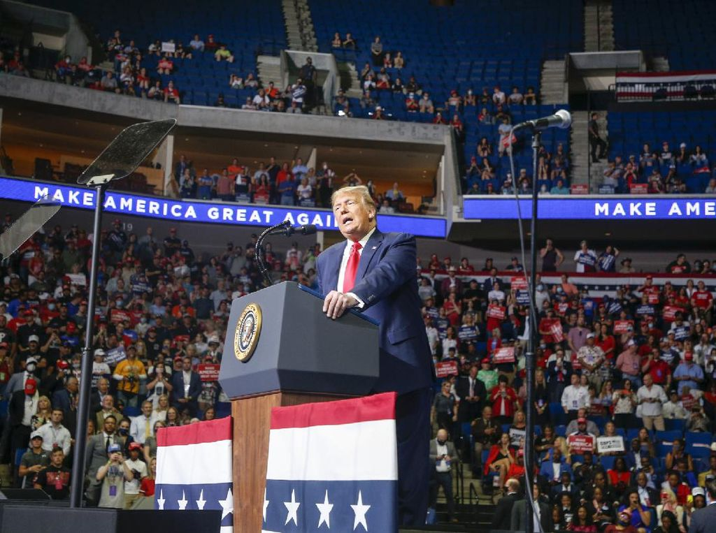 Deretan Orang-orang Terdekat Trump yang Lebih Dulu Positif Corona