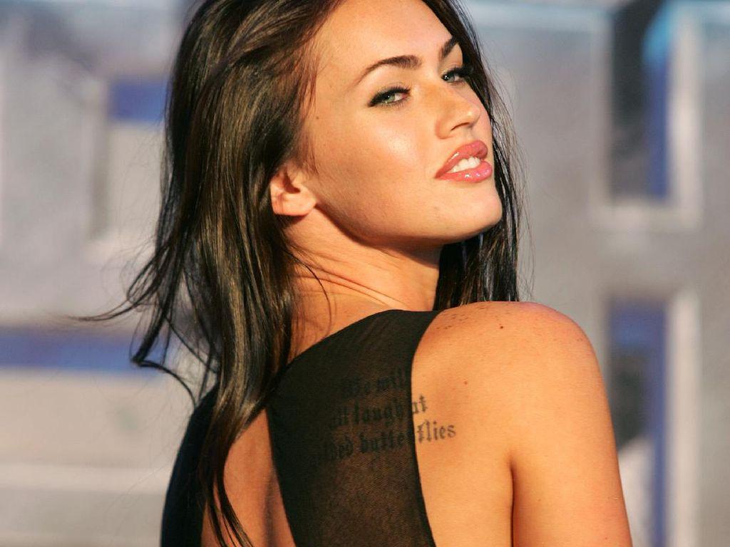 Machine Gun Kelly Pakai Kalung Berisi Darah Megan Fox