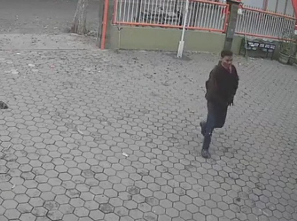 Aksi Santai Pencuri di Dinas Perumahan Kota Mojokerto Terekam CCTV