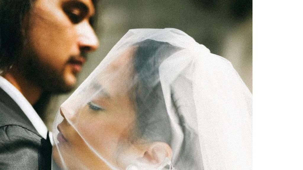7 Inspirasi Pernikahan Tara Basro & Daniel Adnan, Digelar di Galeri Seni