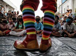 Potret Aku Badut Indonesia Siap Hibur Anak-anak Gratis