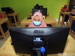 Sekolah Anak Pemulung Bantargebang Kini Miliki Laboratorium Komputer