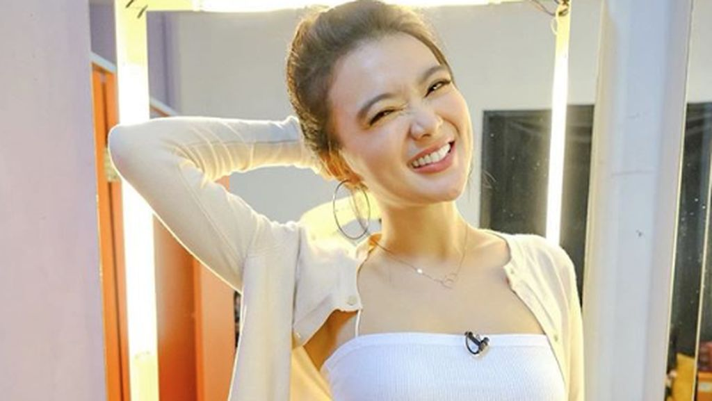 Wika Salim Ngaku Beda Usia dengan Kekasih, Netizen: Jiwaku Bergejolak