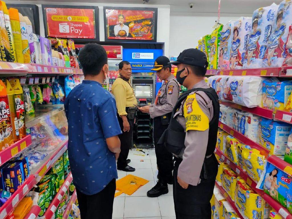Jebol Plafon Minimarket, Maling Bobol Mesin ATM dengan Cara Dilas